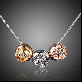 Collar Tres Rosas Con Cristales + Regalo
