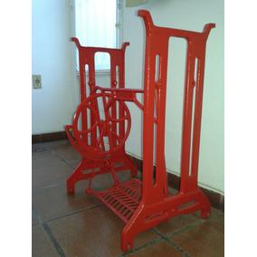 Pé De Máquina De Costura Antiga Em Ferro Pintado