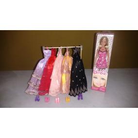 Boneca Barbie, Roupas, Acessorios, Sapatos E Arara.