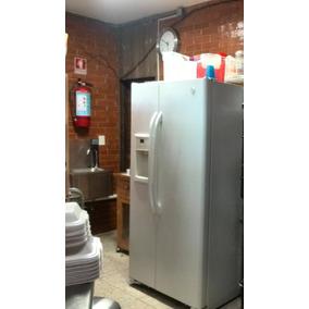 Refrigerador 2 Puertas Con Dispensador De Agua De Regalo