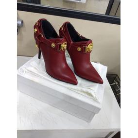 36070ae96fc Sandália Vermelha Couro Versace - Produto Original