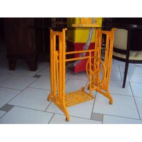 Antigo Pé De Máquina De Costura Tipo Aparador, Vidro Fumê.