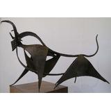 Escultura, Podesta Octavio Vendo Por Viaje