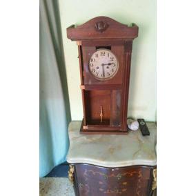 Antiguo Reloj De Pared A Pendulo Subasta (el Pasado )