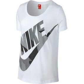 f4e7b963f23c9 Nike - Camisetas de Mujer en Medellín en Mercado Libre Colombia