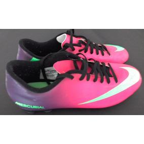 3885428452b7e Chuteiras Personalizadas Duda - Chuteiras Nike Magenta no Mercado Livre  Brasil