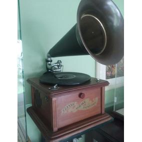 Gramofone Antigo Retro