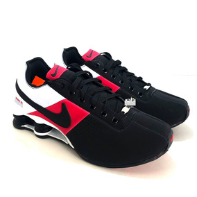 a57e47f0fa8 Tênis Nike Shox Deliver Preto E Dourado Masculino - Calçados