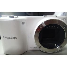 Camera Samsung Nx 2000 Branca Com Defeito Nao Liga