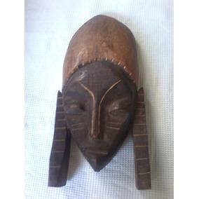 Mascara De Madera Tallada Antigua Africana
