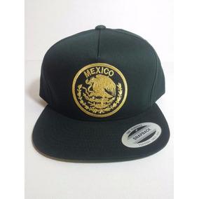 Gorra Yupoong Escudo Nacional Mexicano Mexico Negra Dorada 3a001d836ed