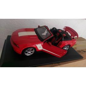 Carro Mustang 2010 A Escala 1/18 Marca Maisto