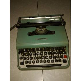 Máquina De Escribir Olivetti Lettera 22