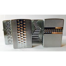 Encendedor A Bencina Tipo Zippo Plateado Diseño / Relieve /