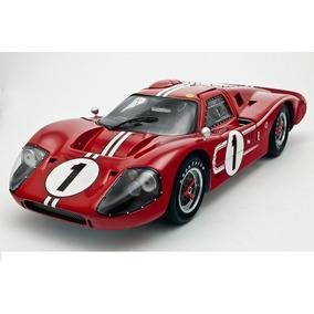 Miniatura Shelby Ford Gt 40 Winner Le Mans 1967 Gurney 1/18