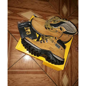 Vendo Bota Cat Por 150