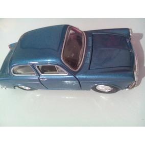 Miniatura Volkswagen 1600 Maisto 1/24