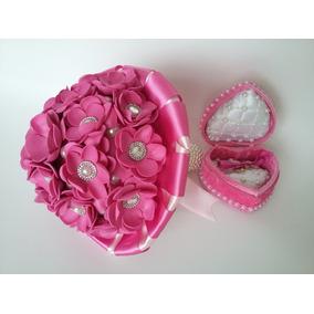 Kit Buquê De Noivas Rosas Eva Porta Alianças Coração Veludo