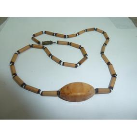 Gargantilha 50cm Tubetes Bambu E Adorno Resina Bege
