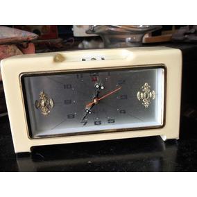 Reloj, De Los 70s De Cuerda Con Alarma Y Fecha, Funciona