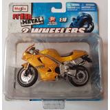 Moto Triumph 955i Daitona, Modelo Escala 1/18, Marca Maisto
