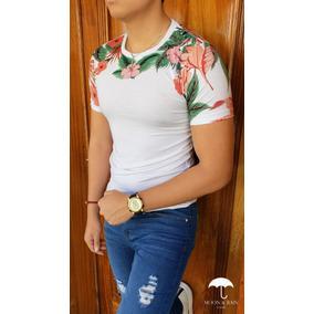 Playera Slim Fit Blanca Flores Rosas, Naranjadas, Hojas M&r