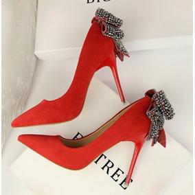 93b18aa26df6e Sapato De Salto Prata Com Stras E Solado Vermelho - Sapatos no ...