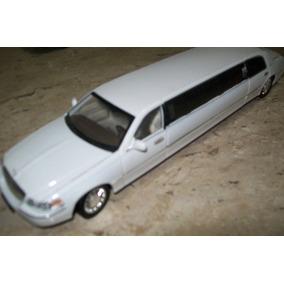 Miniatura Limousine - Lincoln 2003 - Escala 1/28