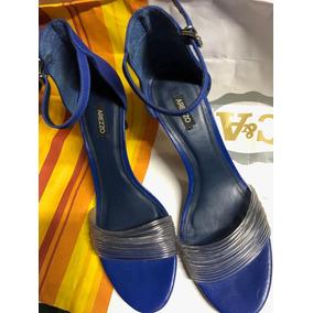 Sandália Azul Royal Arezzo
