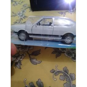 Miniatura Carro Passat Ts 1978. Lacrado. Embalagem Original.