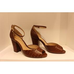 28a609fa75 Sandalia Croker Feminino Schutz - Calçados