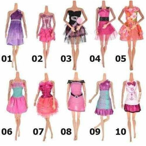 25007b64818 Kit De Roupinhas Sapatos Para Barbie E Vestidos - Bonecas e ...