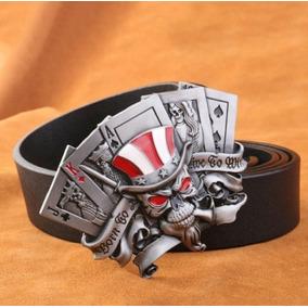 5f838e9102e Cinto C  Fivela Caveira Cartas Rock Metal Moto Carro Tattoo