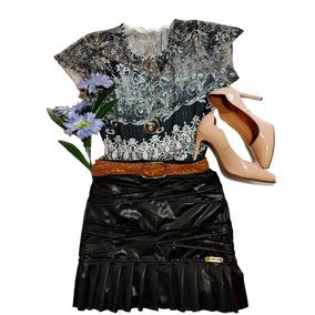 Conjunto Feminino Saia Corino E T-shirt Básica Estampada