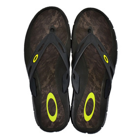 Chinelo Oakley New Operative Print - Calçados, Roupas e Bolsas no ... 01c79378a2
