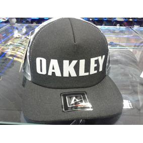 Bone Oakley Camuflado - Calçados 2fd36ee1432