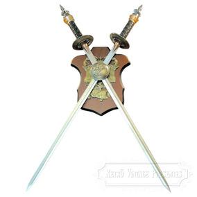 Brasão Medieval Com 2 Espadas Decorativas Sem Corte