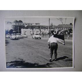 Foto Da Chegada De Uma Corrida De Carros / Rio Grande Do Sul