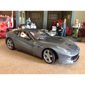 Miniatura Hot Wheels 1/18 Ferrari F12 Berlinetta - Impecável