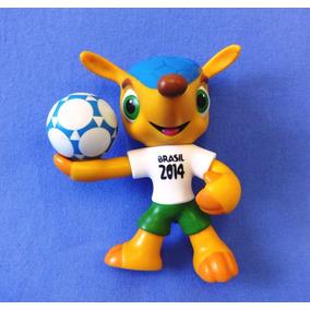 c6b1fc8df9 Boneco Fuleco - Oficial - Copa Do Mundo Brasil 2014 Futebol. R  29