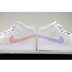 quality design 7f2c8 80e58 Zapatillas Nike Air Jordan 1 Mid Crimson Pulse Color Woman