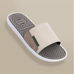 d0eb91acba Chinelo Cartago Branco Vermelho E Azul - Sapatos Bege no Mercado ...