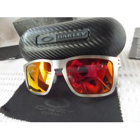 4638531328441 Oakley Holbrook Metal Chromo Ferrari Rubi Polarizado - Novo