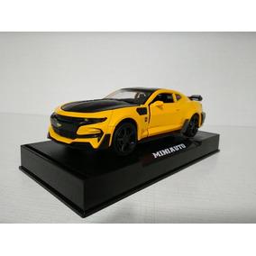 Bumblebee Top Model Metal Collection - Transformers 5 (novo)