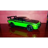 Dodge Challenger Srt8 + Caja De Vidrio Escala 1/24
