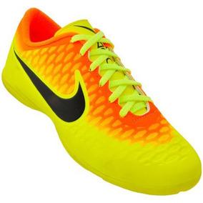 06700b913a Magista Copa Do Mundo Nike Futsal - Chuteiras no Mercado Livre Brasil