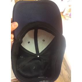 Gorra Negra Cerrada De Beisbol
