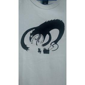 Camiseta Stencil - The Book Of Kells