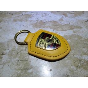 Chaveiro Porsche Amarelo Couro E Metal T. Aprox. 8,1cm/4,2cm
