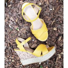 fc0f2be4f7 Sapato Anabela Com Salto De Corda Feminino - Sapatos Amarelo no ...